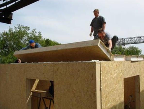 Как построить дом из сэндвичей своими руками