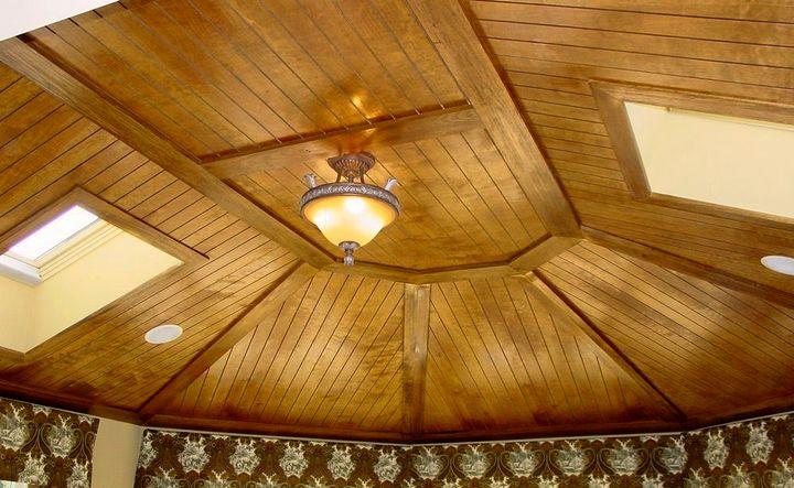 Потолок из дерева