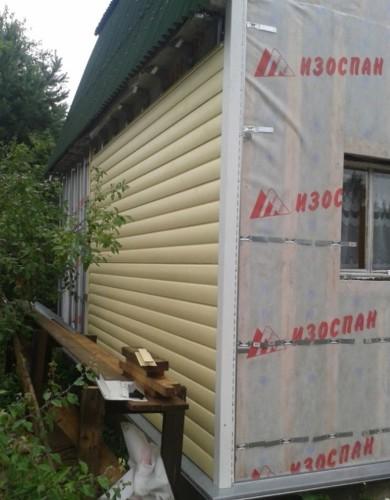Утепление стен деревянного дома и облицовка сайдингом