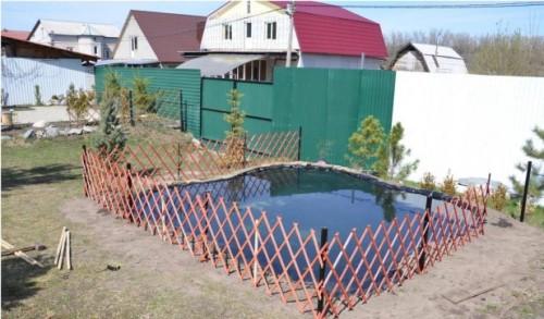 Пруд своими руками с использованием пленки (фото). Декорирование пруда.