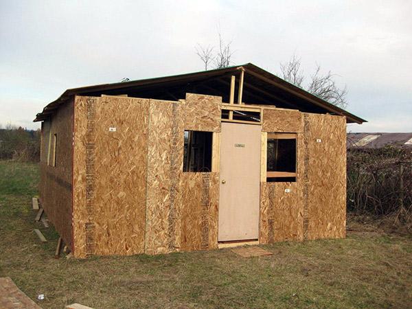 Как построить дом в деревни своими руками