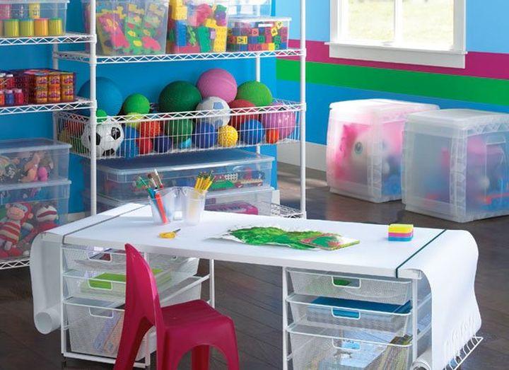 Использование пластиковых ящиков для детской комнаты