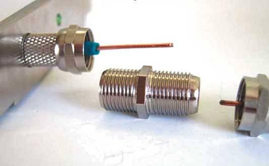 Как подсоеденить на антенный кабель штекер старой конструкции