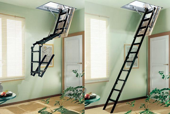 Раскладная лестница из четырёх секций