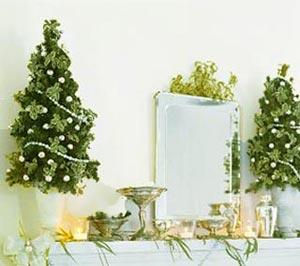 новогоднее украшение дома - маленькие елочки 005