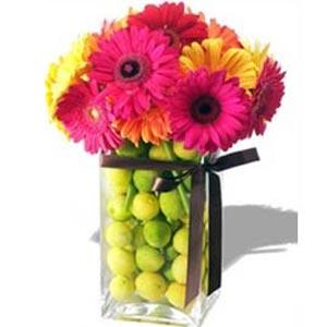 украшение стола композициями из цветов 15