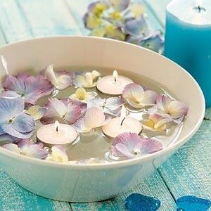 украшение стола цветами и свечами фото16
