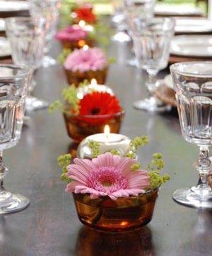 украшение стола цветами и свечами фото3