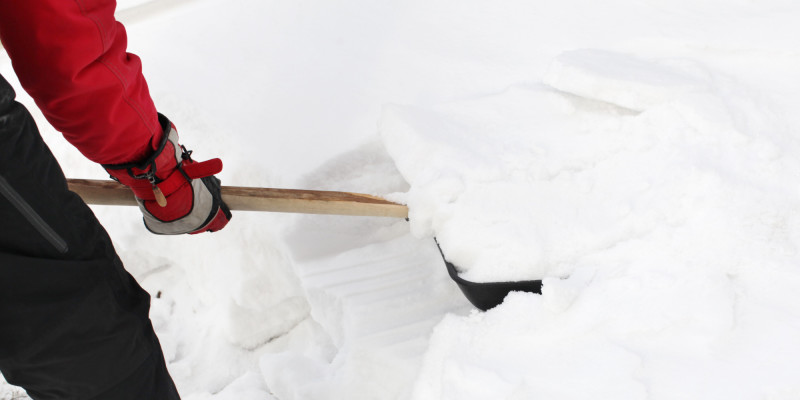 Как сделать скребок для уборки снега на колесах