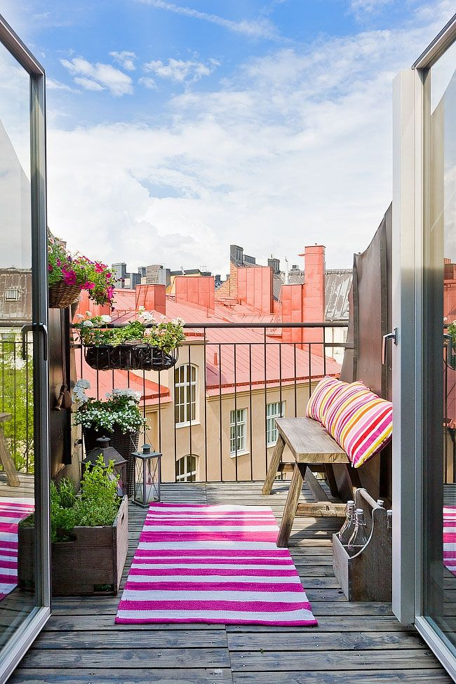 Уютная мебель для балкона