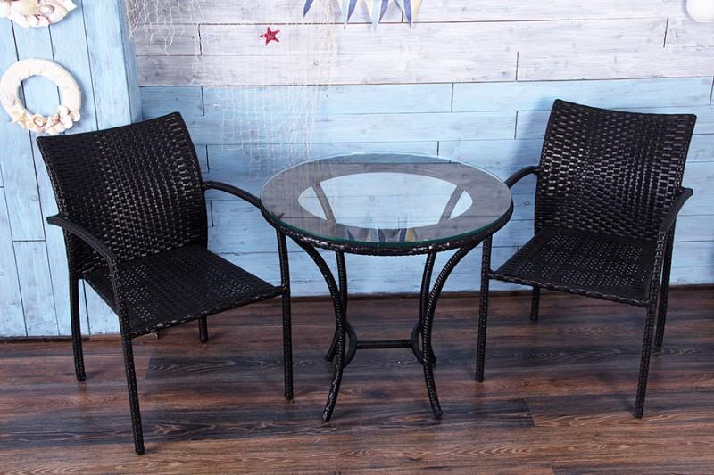Стулья и столик из искусственного ротанга
