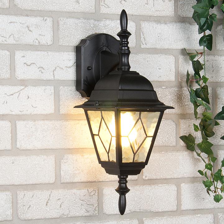 Обычный фонарь-светильник