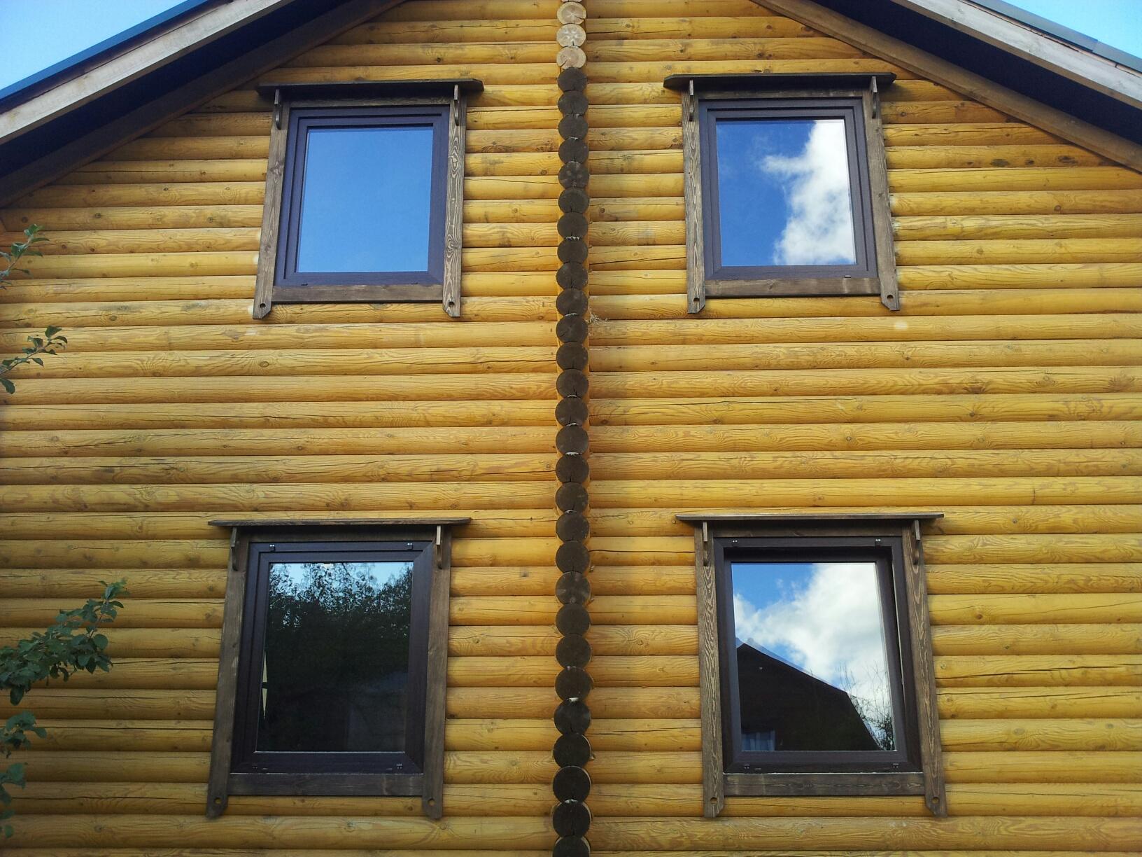 Окна с наличниками обычными