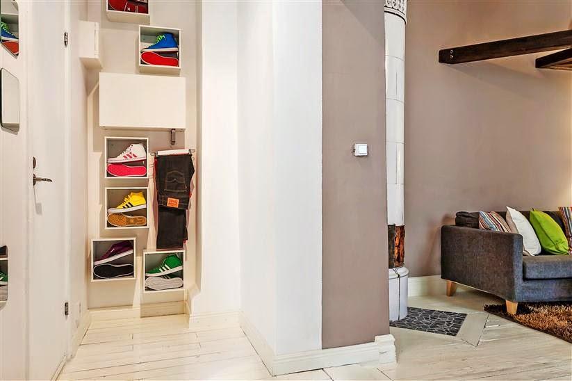 Фунцкиональная мебель для прихожей в современном стиле
