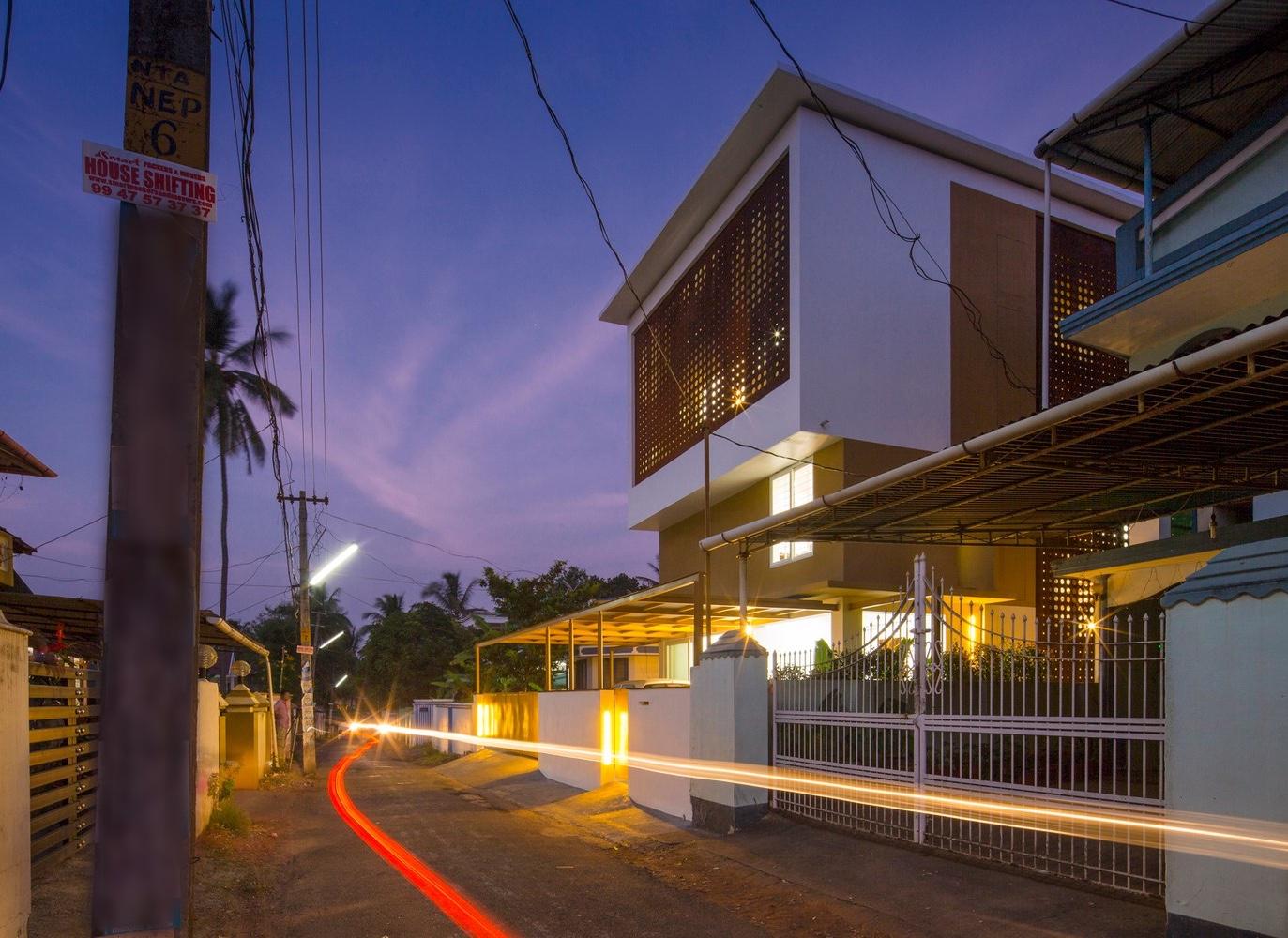 великолепный дом с крытым атриумом