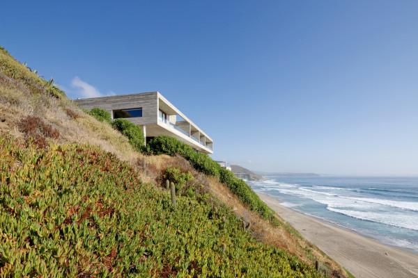уединенный особняк на побережье чили