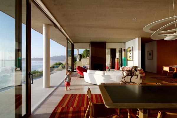 уединенный особняк на побережье чили5