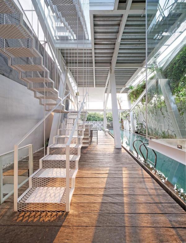 10 крытых бассейнов8