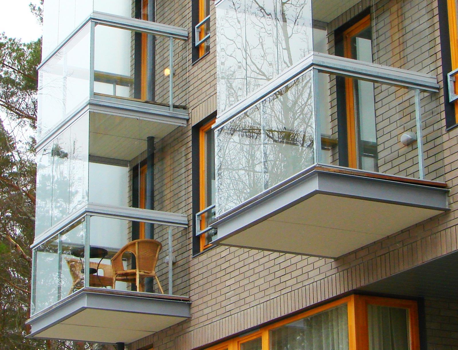 Безрамный способ остекления балконов, террас и верандlux-dek.