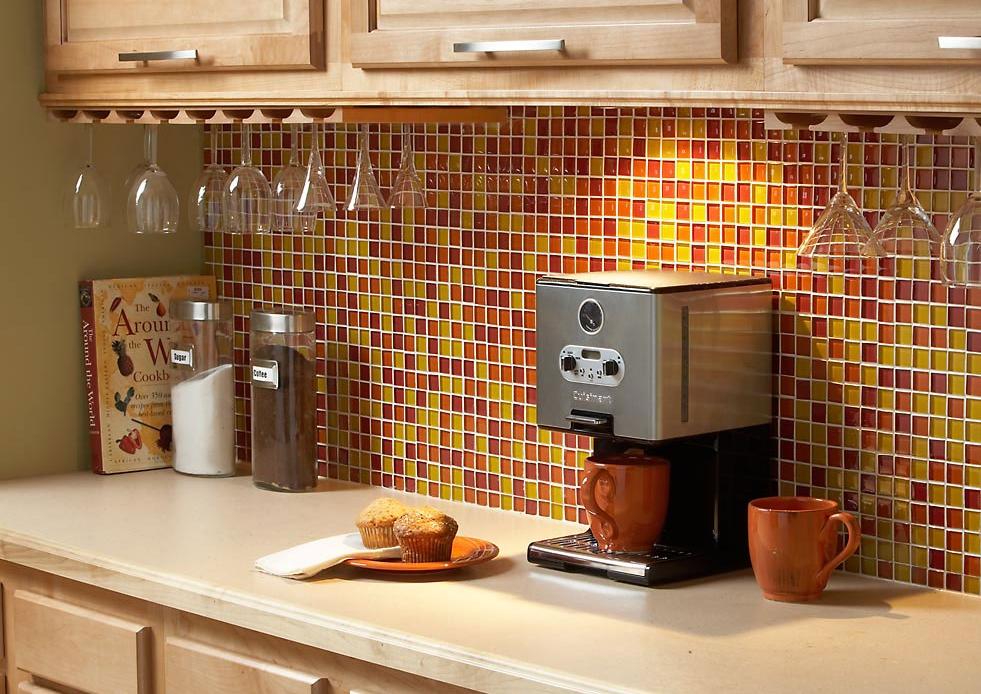 Стеклянная плитка для фартука кухни