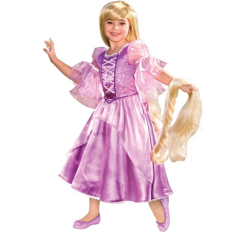 В костюме Принцесса Рапунцель золотистая коса должна доходить до самого пола