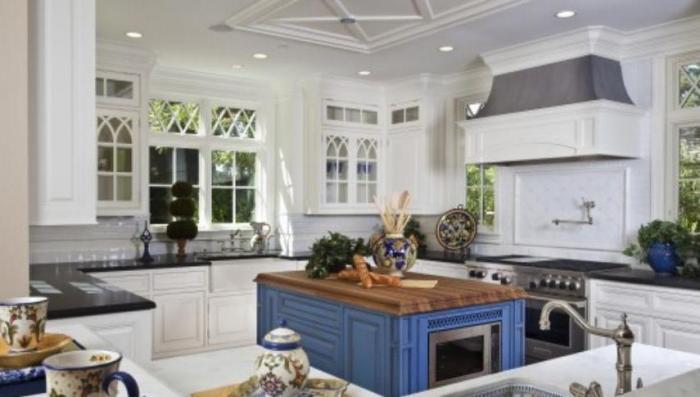 Потолки из гипсокартона кухня