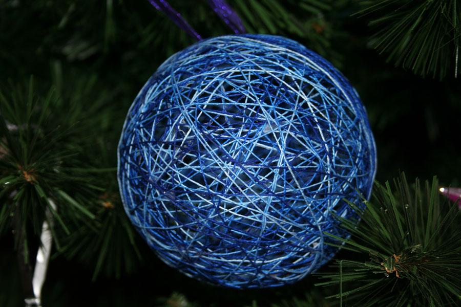 Новогодние нитяные шары