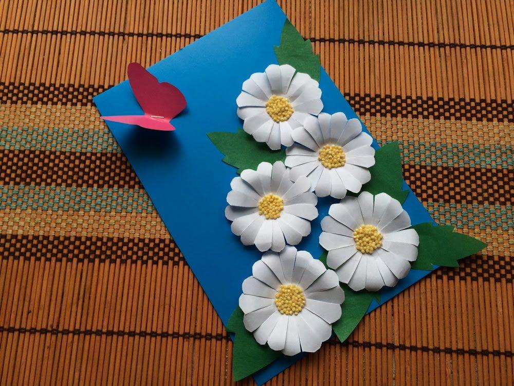 Как сделать цветочки для открытки из цветной бумаги
