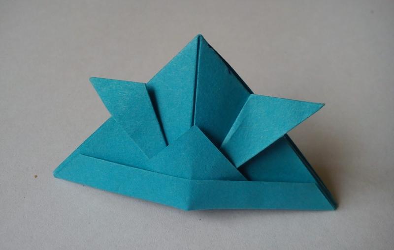 Шапка самурая в технике оригами