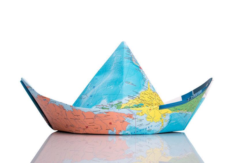 Простая шапка в технике оригами