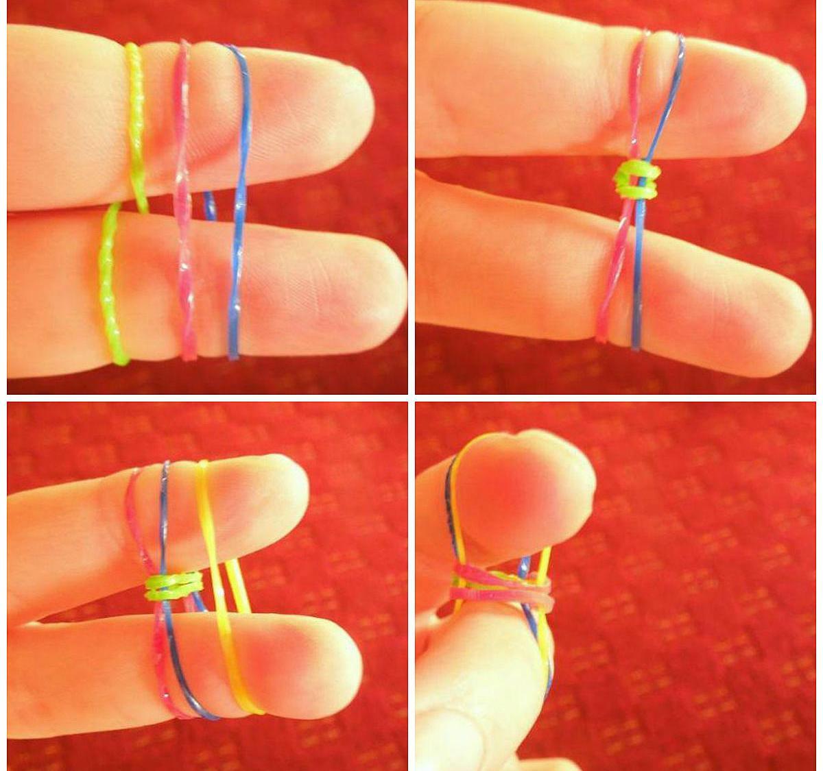 Для начала плетения берется три резиночки