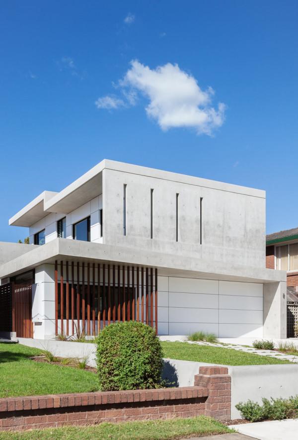 semejnyj-dom-s-betonnym-fasadom3
