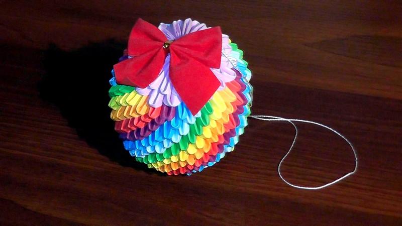 Елочная игрушка своими руками из бумаги оригами