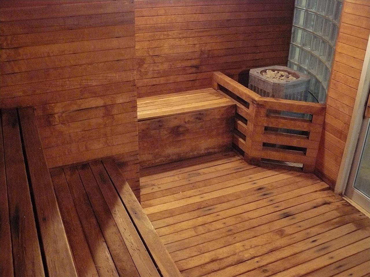 При изготовлении мебели для бани своими руками можно осуществить любые задумки