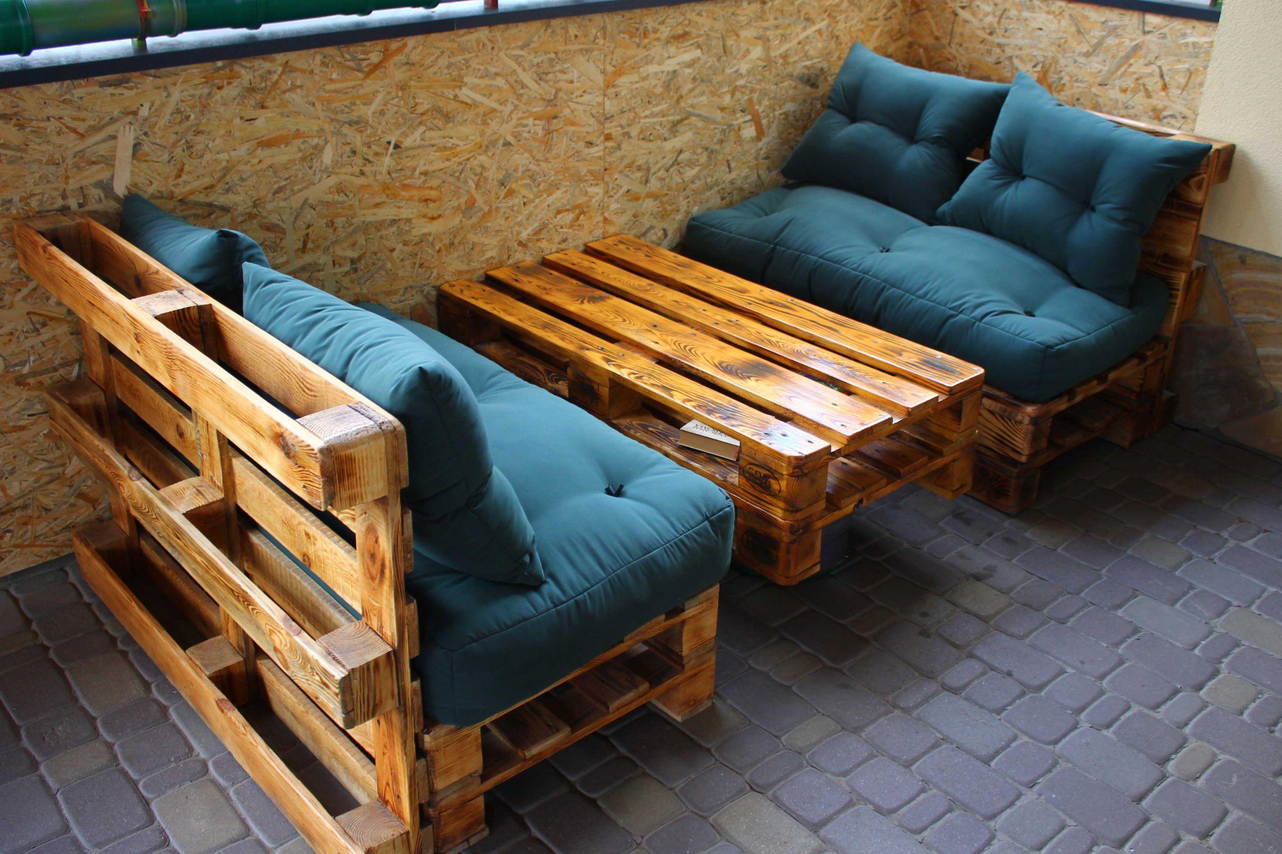 Лакированная мебель из паллет