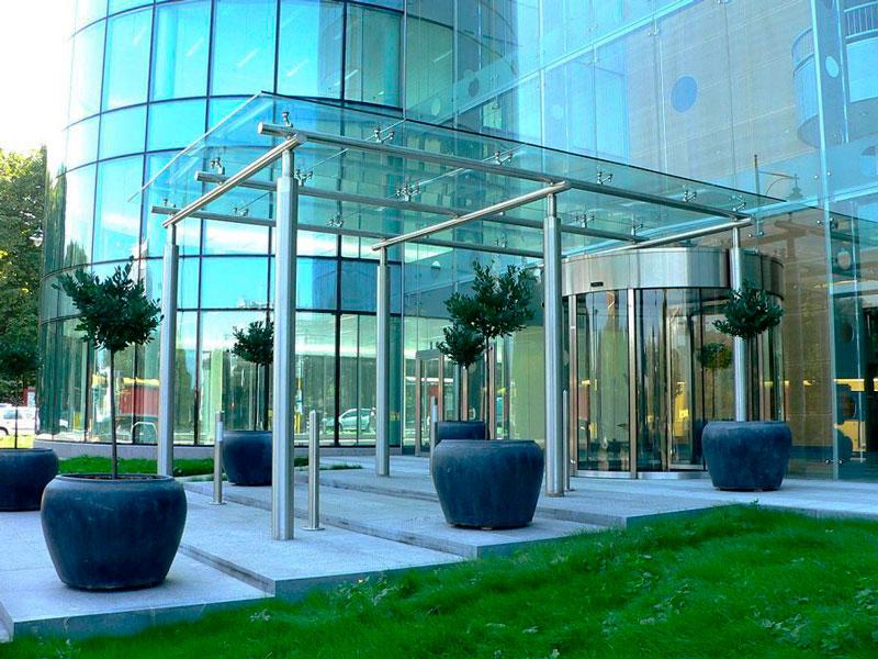 5 мифов о стеклянных козырьках