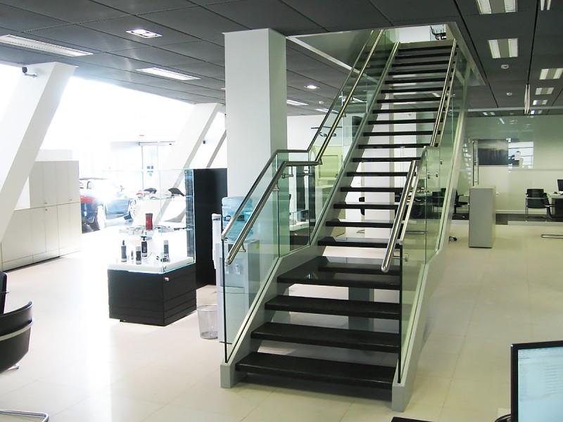 Проектирование лестниц и ограждения из стекла