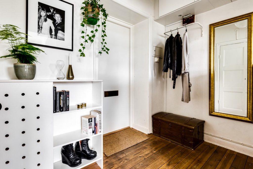 Стиль и винтаж - дизайн современной прихожей