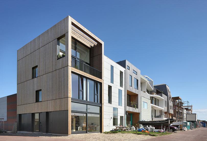 Дом в индустриальном районе Амстердама