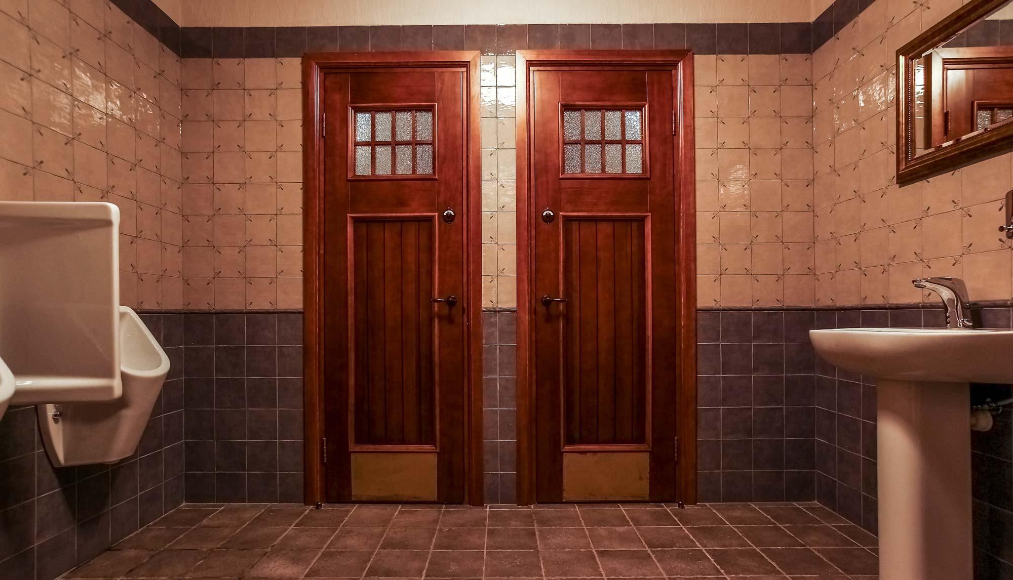 Дубовая дверь