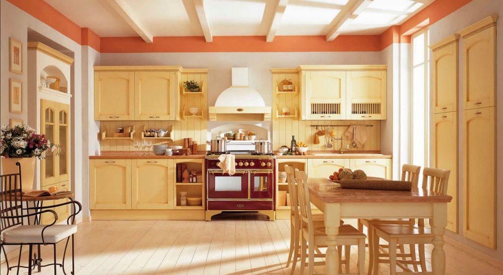 Теплая кухня в стиле кантри