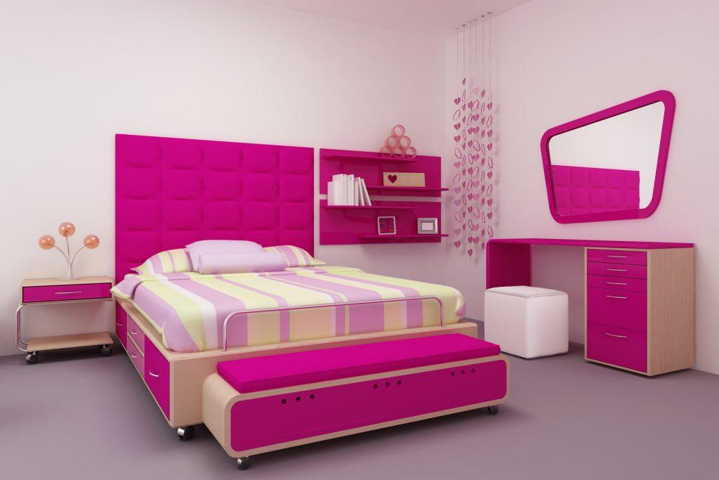 Яркая мебель в современной спальне