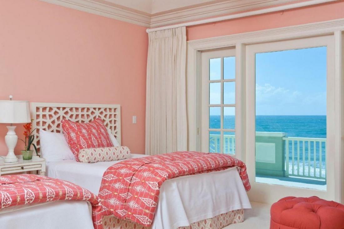 Атмосфера тепла в розовой спальне