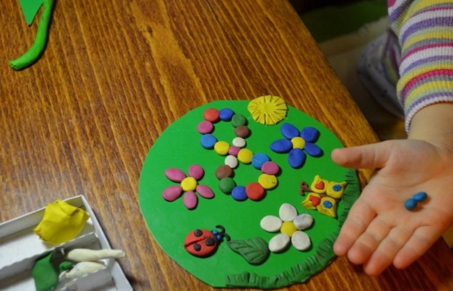 Как сделать открытку из пластилина на 8 марта